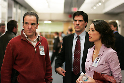 caption: (left to right) Mandy Patinkin, Thomas Gibson and Lola Glaudini star in CRIMINAL MINDS on the CBS Television Network. This photo is provided for use in conjunction with the CBS Summer 2005 Press Tour being held in Beverly Hills, CA. Photo: Michael Courtney/Touchstone (C)2005 Touchstone Television. All Rights Reserved. copyright: