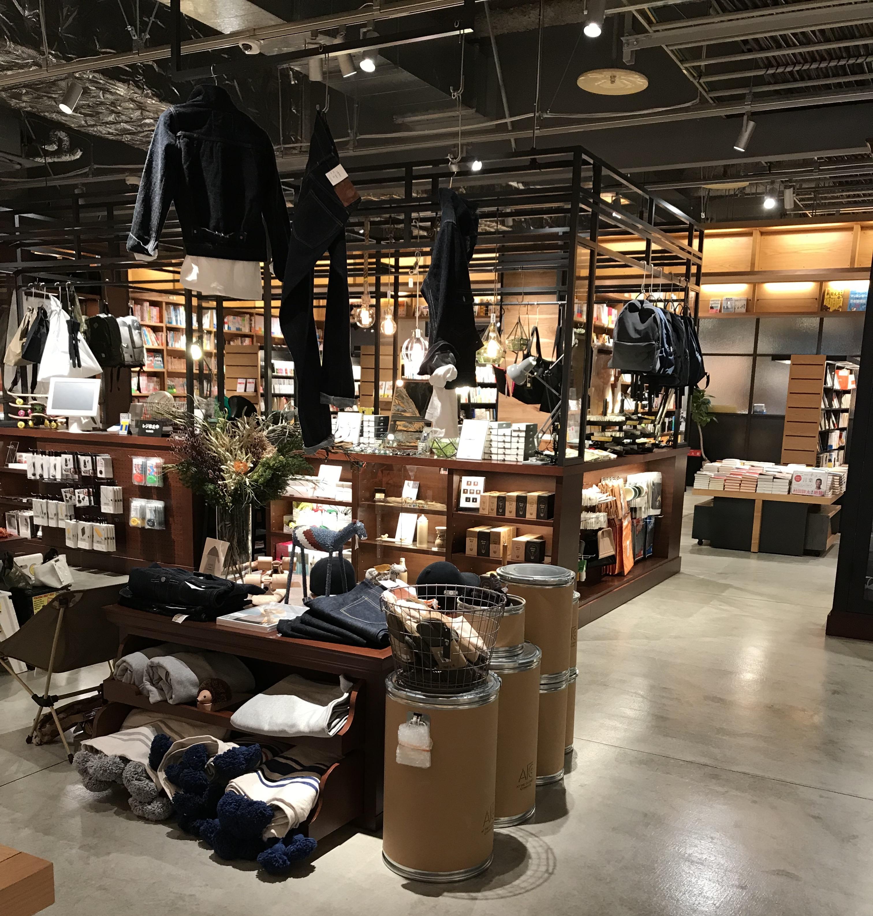 衣類売場の画像