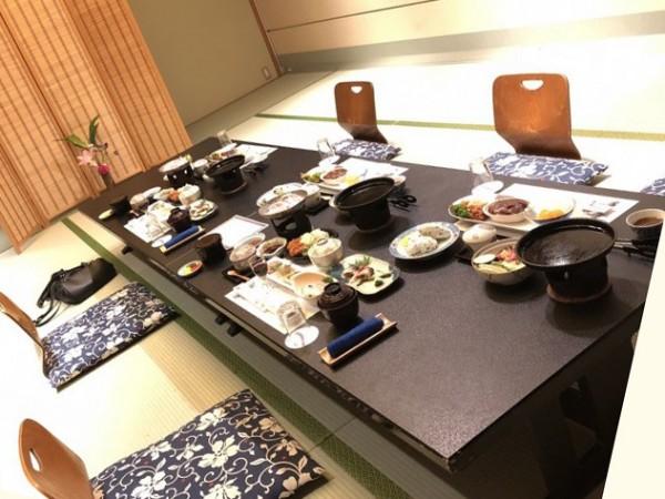 広島夕食風景
